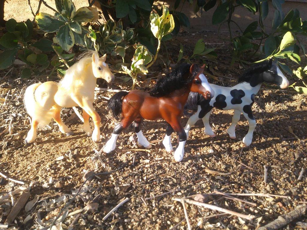 draft_foals_by_littlekunai-dcq8fe4.jpg