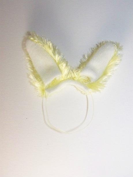 White_and_yellow_bunny_ears.JPG